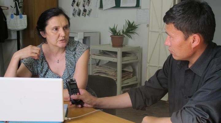 Кыргыз журналистикасынын абалы тууралуу америкалык окумуштуу китеп жазып жатат