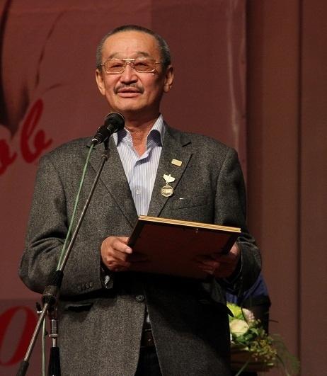 Cкончался известный журналист Алым Токтомушев