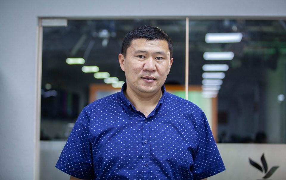 По мнению Ыдырыса Исакова, обращение предпринимателя в суд с иском против него связано с его журналистскими расследованиями