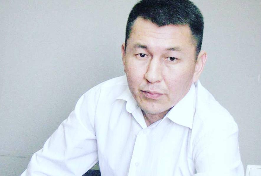 Главного редактора газеты «Азия Ньюс» Асланбека Сартбаева допрашивали в Военной прокуратуре