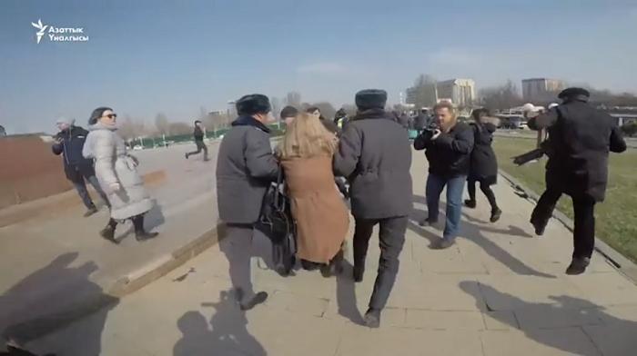 Журналиста «Апреля» Каната Каниметова избили сотрудники милиции